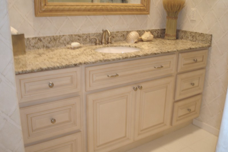 Antique White Kitchen Bathroom Cabinets