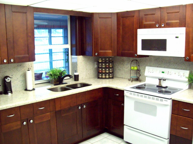 Cherry Shaker Kitchen Bathroom Cabinets
